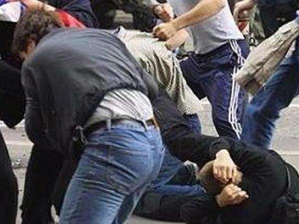 """Şamaxıda kütləvi dava: <span class=""""color_red"""">4 nəfər ağır yaralandı</span>"""