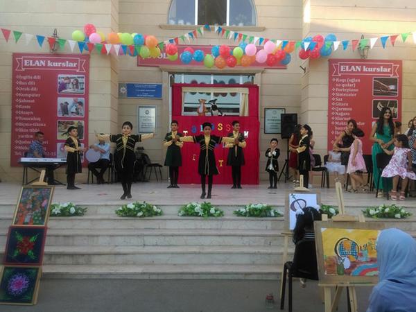 Şüvəlan qəsəbə Mədəniyyət evində Milli Musiqi günü ilə əlaqədar konsert keçirilib