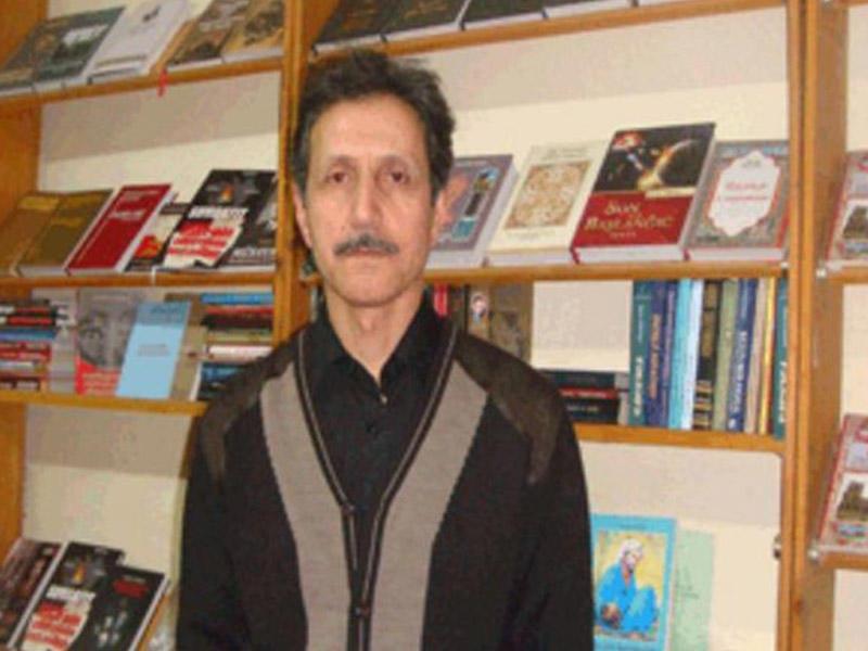 Bakı Kitab Klubunun direktoru Elxan Rzayev vəfat edib