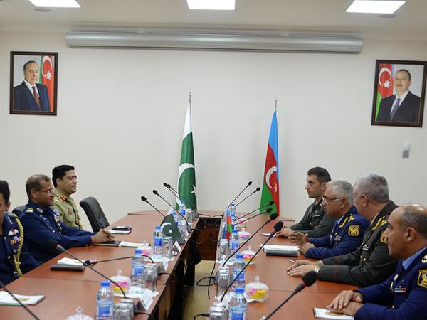 Azərbaycan və Pakistan HHQ arasında hərbi əməkdaşlıq müzakirə olundu