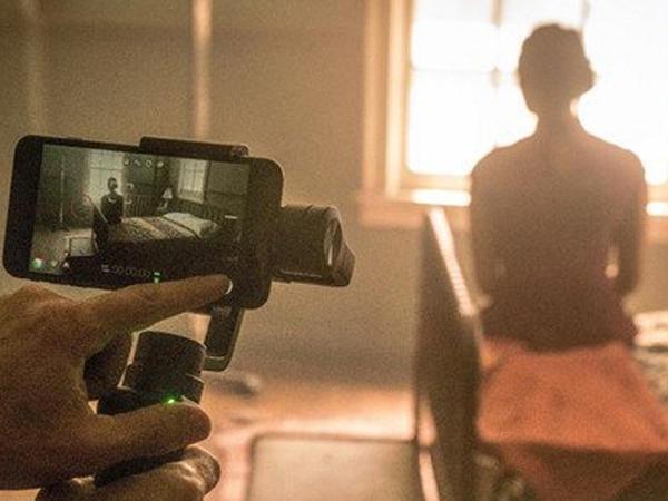 """Məşhur rejissor """"iPhone"""" ilə film çəkdi - VİDEO"""