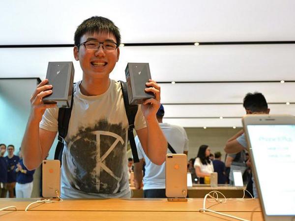 iPhone 8 və  iPhone 8 Plus-un satışları başlandı