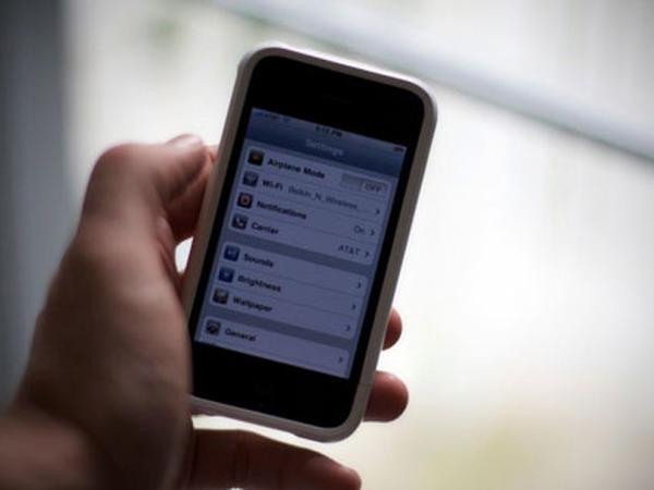 Azərbaycana mobil telefonların idxalı 2 dəfədən çox artıb