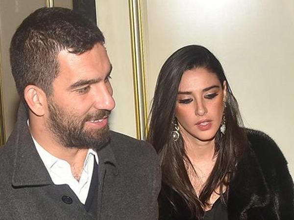 Arda Turan sevgilisindən ayrıldı - FOTO