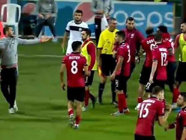 """""""Qəbələ""""nin futbolçuları arasında davanın görüntüləri - VİDEO"""
