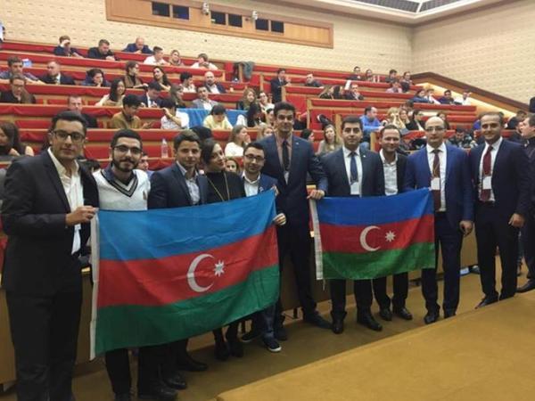 Azərbaycanlı gənclər beynəlxalq Forumda fəallıq göstəriblər - FOTO