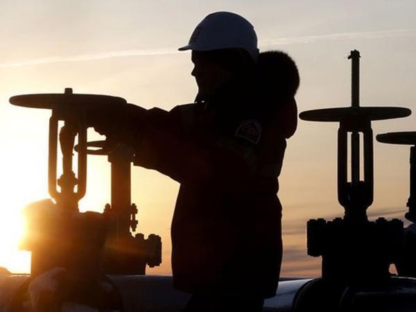 Brent markalı neftin qiyməti 2015-ci ilin iyulundan etibarən ilk dəfə 59 dolları ötüb