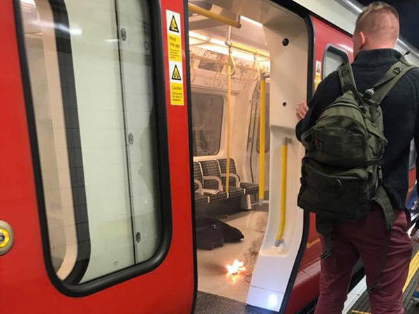 """London metrosunda partlayış - <span class=""""color_red"""">Sərnişinlər təxliyə olunur - VİDEO - FOTO</span>"""