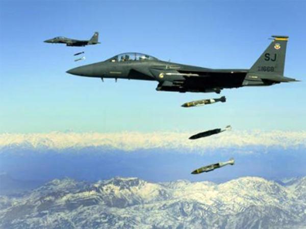 Rusiya təyyarələri Suriyada İŞİD mövqelərini bombaladı