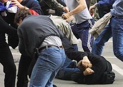"""Türklərlə suriyalılar arasında kütləvi dava: <span class=""""color_red"""">ata və oğlu öldü, yaralananlar var</span>"""