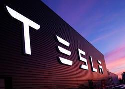 """""""Tesla"""" bir həftədə 400 nəfəri işdən çıxardı"""