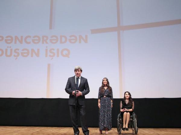 """Nizami Kino Mərkəzində """"Pəncərədən düşən işıq"""" sənədli filminin təqdimat mərasimi olub - FOTO"""
