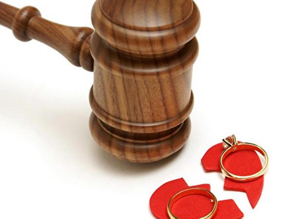 Azərbaycanda qadın nömrəyə görə boşandı - VİDEO
