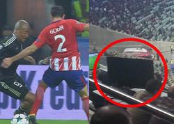 """""""Qarabağ""""ın matçında hakimin şübhəli qərarı zamanı stadionda <span class=""""color_red"""">MÜƏMMALI OLAY - FOTO</span>"""