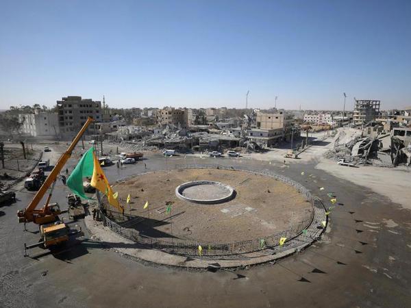 Yüzlərlə insanın edam edildiyi Raqqadan FOTOlar