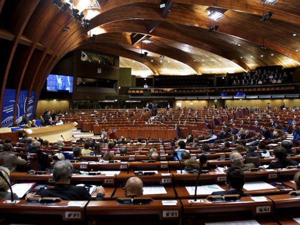 AŞ PA-nın yeni prezidentinin ilk çıxışı: Avropalılar artan münaqişələrdən narahatdır