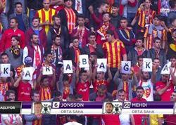 """İstanbul derbisində """"Qarabağ"""" plakatı - O yazara belə etiraz etdilər - FOTO"""