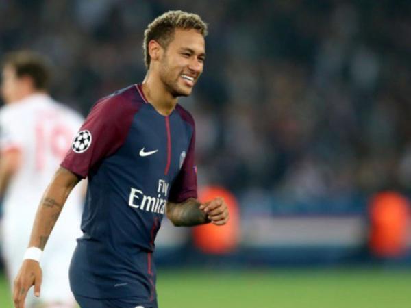 Neymar və PSJ-nin baş məşqçisi arasında mübahisə yaşanıb