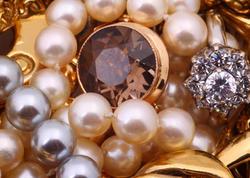 Azərbaycanda qızıl-gümüş bazarı ucuzlaşır