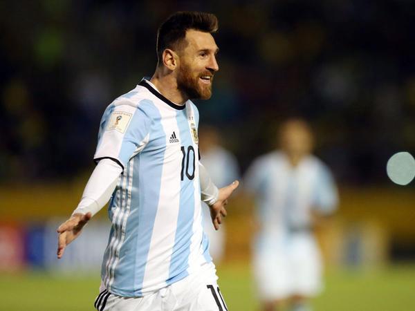 """Argentina millisi Messini geri çəkir"""