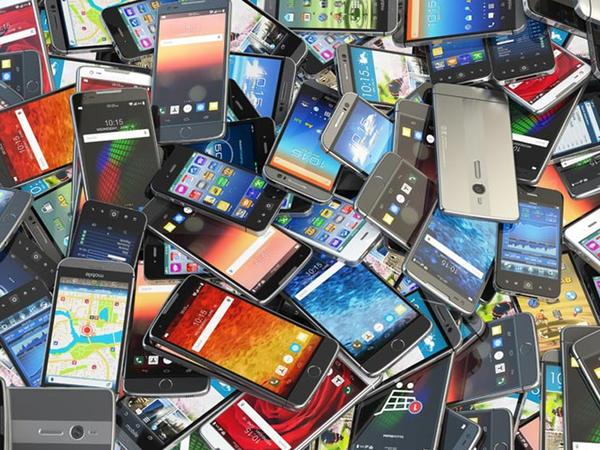 Smartfonların satışı artıb