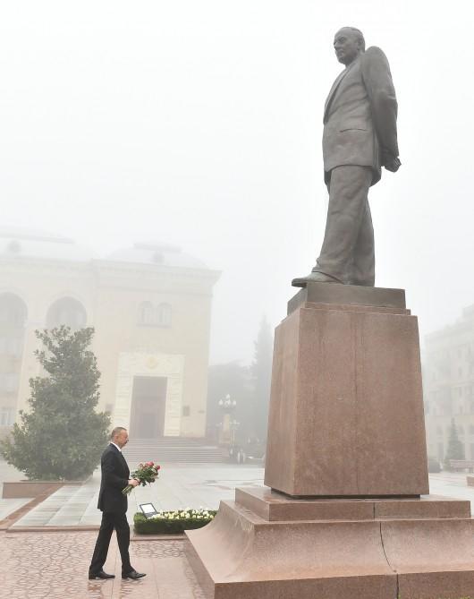 Prezident İlham Əliyev Gəncə şəhərinə gedib - FOTO