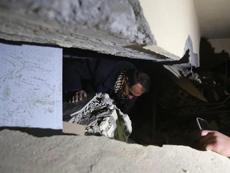 İranda zəlzələ nəticəsində həlak olanların sayı 164-ə çatıb - FOTO