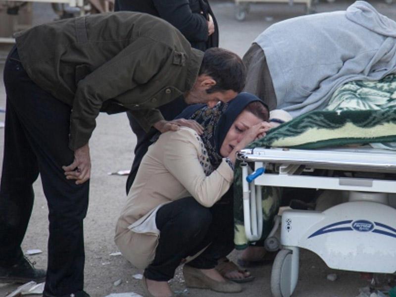 İran zəlzələ qurbanlarının xatirəsinə milli matəm elan edib