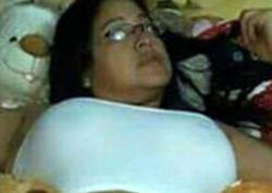 40 yaşlı müəllim onunla yatmayan şagirdlərinin qiymətini kəsdi - FOTO