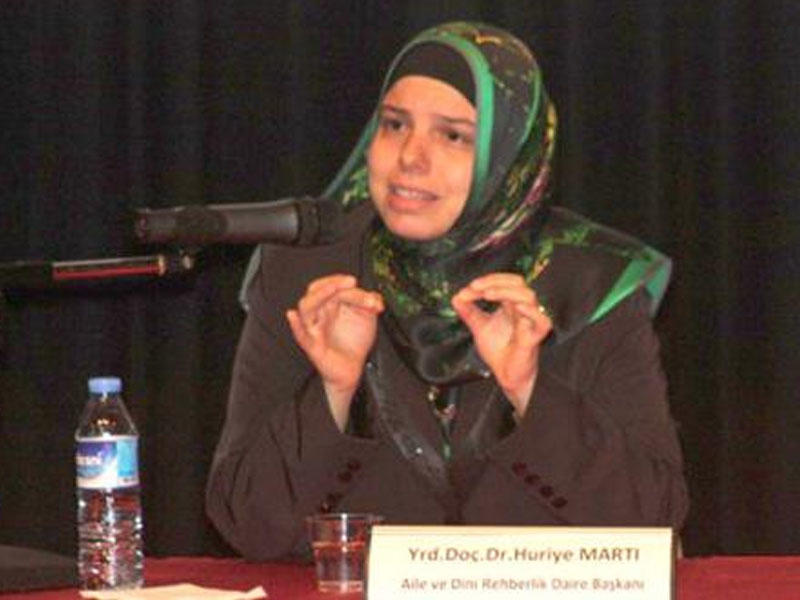 Türkiyə Dini İşlər İdarəsinə ilk dəfə qadın yüksək vəzifəyə gətirildi