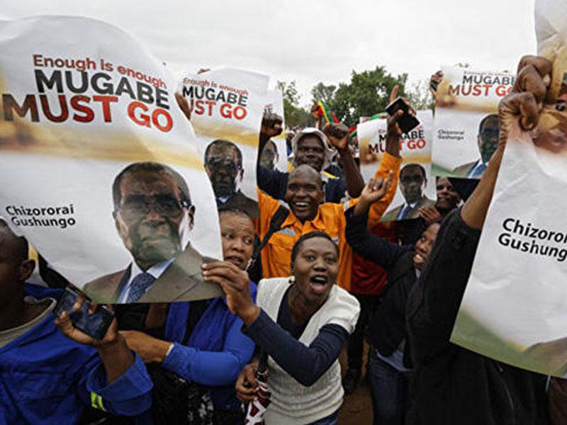Zimbabvedə nümayişlər başladı - Muqabenin istefası tələb olunur