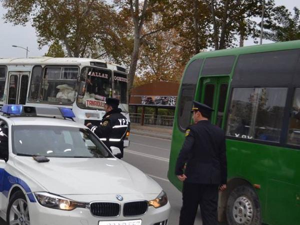 Polis cərimə yazdı, sürücü küsüb getdi - Azərbaycanda - VİDEO