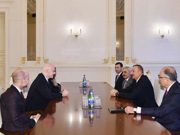 Prezident İlham Əliyev FIFA-nın prezidentini və baş katibini qəbul edib - FOTO