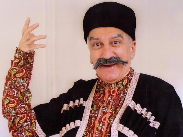 """Musiqili Teatrda İlham Namiq Kamalın iştirakı ilə """"Qafqazlı qardaşqızı"""""""