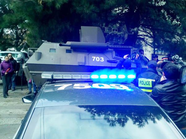 """Tbilisidə antiterror əməliyyatı: <span class=""""color_red"""">yaralanan var - YENİLƏNİB - FOTO</span>"""