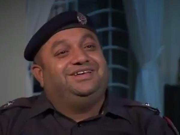Mahnı oxuyan Şahbaz polis internet ulduzuna çevrildi - VİDEO