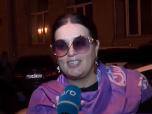 """""""Gecə yatanda da çıxartmıram"""" - Elza Seyidcahanı özünə valeh edən sırğa - VİDEO - FOTO"""