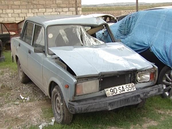 """Bakıda """"zek"""" ailənin 4 üzvünü avtomobillə vurub qaçdı - FOTO"""
