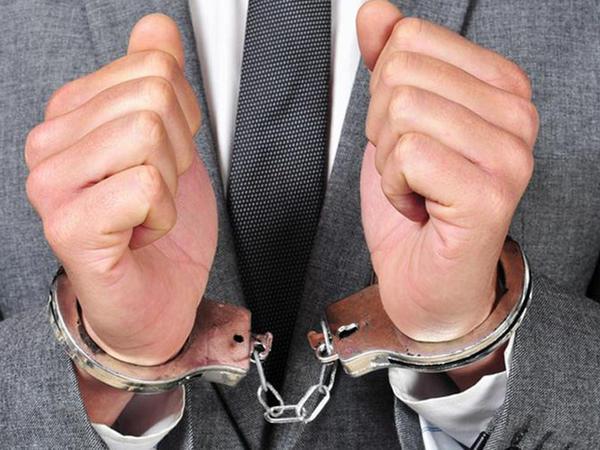 Qazaxıstan qırğız deputat saxlanıldı