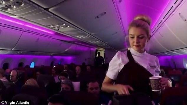 Stüardessanın bir iş günü - VİDEO - FOTO