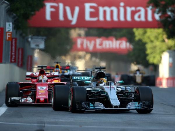 """Bakıdakı Formula 1 yarışlarına biletlərə endirim - <span class=""""color_red"""">BŞH rəhbərindan çağırış</span>"""