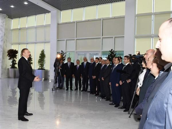 """Prezident İlham Əliyev: """"Azərbaycanda bütövlükdə 30 xalça fabrikinin yaradılması nəzərdə tutulur"""""""