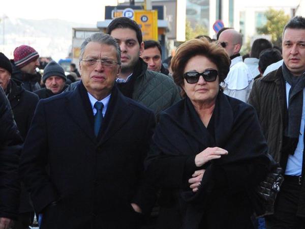 Mesut Yılmazın oğlu intihar etdi - FOTO