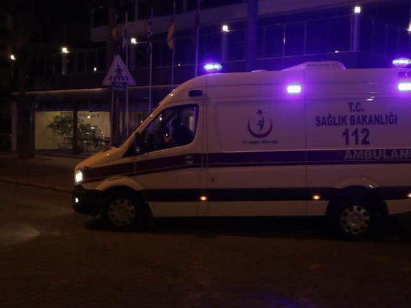 Türkiyədə işçiləri daşıyan avtobus yük maşını ilə toqquşub: 16 yaralı