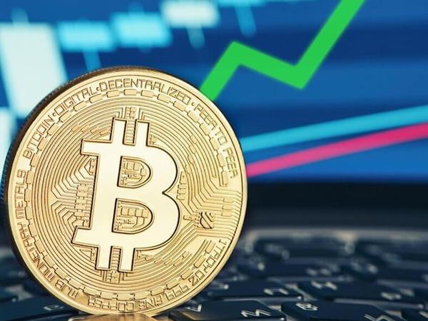 Bitcoin mayninqi üzrə gəlir 4.5 dəfə artıb