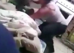 """Ana planşetə görə uşağının saçından qaldırıb yerə çırpdı - """"Səni öldürəcəm"""" - VİDEO - FOTO"""
