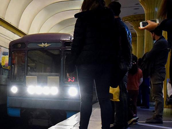 """Bakı metrosunda qatarların gecikmə <span class=""""color_red"""">SƏBƏBİ açıqlandı</span>"""