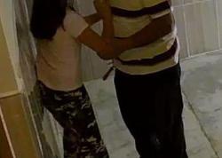 Qızını zorlamağa çalışan qonşusunu öldürdü - Təcavüz anı kamerada - FOTO