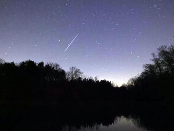 """ABŞ-a meteorit düşdü - <span class=""""color_red"""">Təsirindən zəlzələ oldu - VİDEO</span>"""