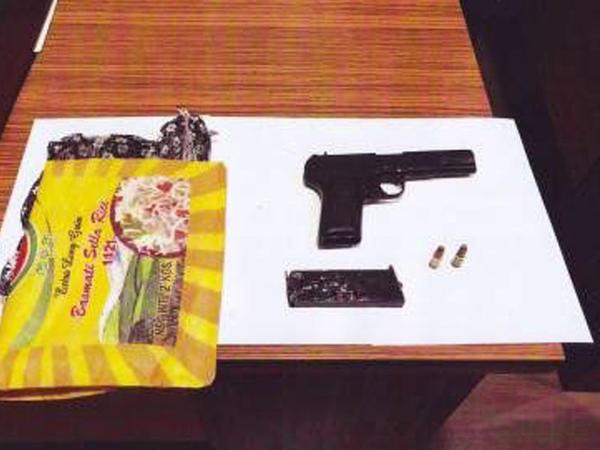 Bakıda qəbiristanlıqda gizlədilmiş silah tapıldı - FOTO